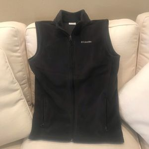 Boys Columbia vest - 2 available